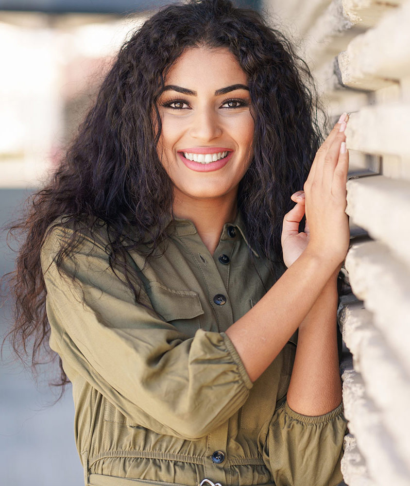 Middle Eastern, smiling photomodel