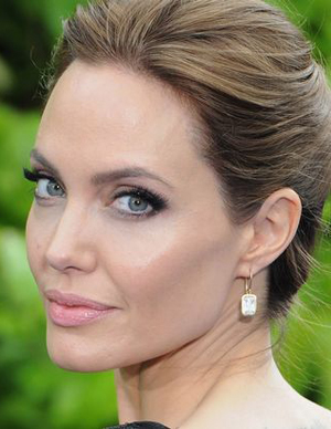 Dr. Julian De Silva discusses the 'perfect nose' - Angelina Jolie has also made the lost of most copied noses